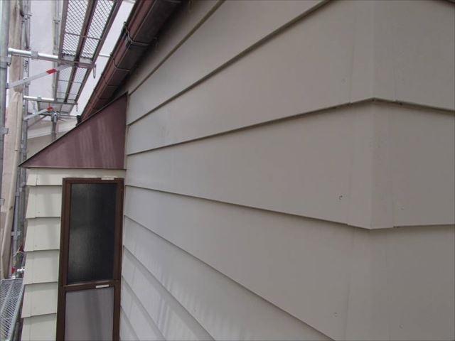 施工前の外壁です。ドイツ張りサイディング外壁は丈夫です。