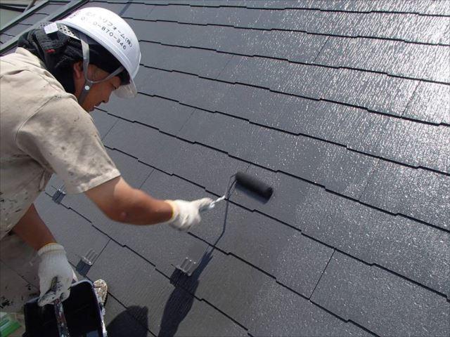 中塗り・上塗りは遮熱塗料を使用しています。