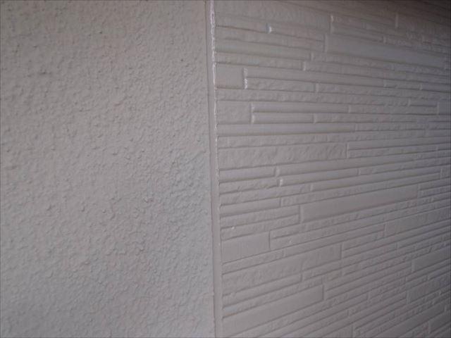 施工前の外壁です。美しい艶が生まれました。