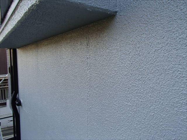 クラック補修痕が醜かった外壁も美しく仕上がりました。