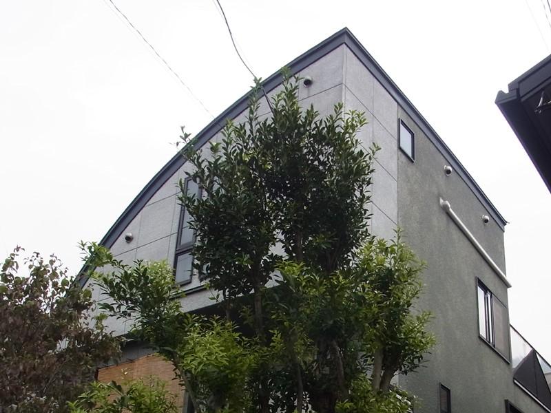 デザイン優先の家は雨織しやすい