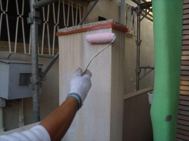 塀塗装下塗り