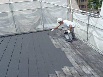 一般的な屋根塗装の中塗り