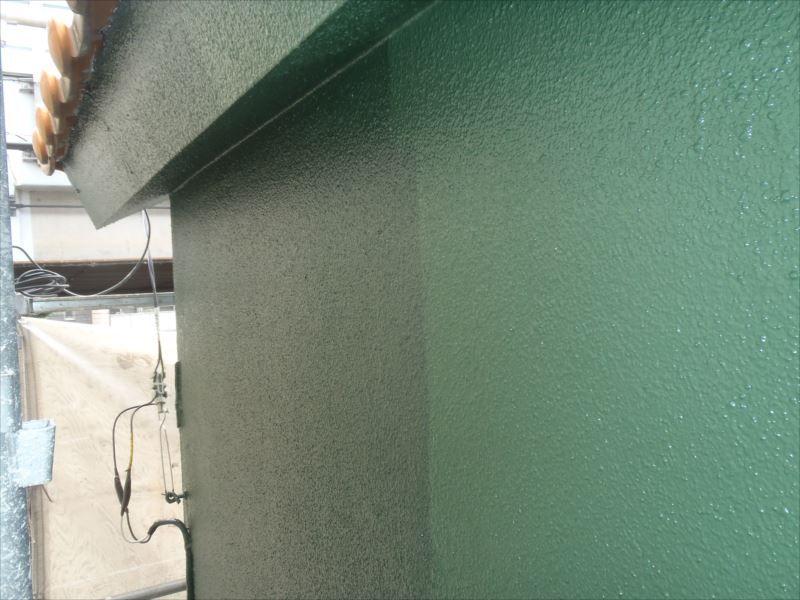 中塗りと同じ色で上塗りも行いました