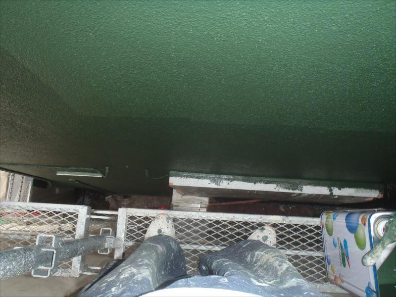 同じ色ですが作業中の塗装工程がはっきりわかります