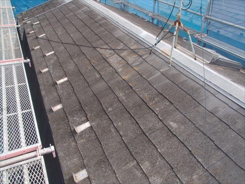 洗浄前の屋根です。