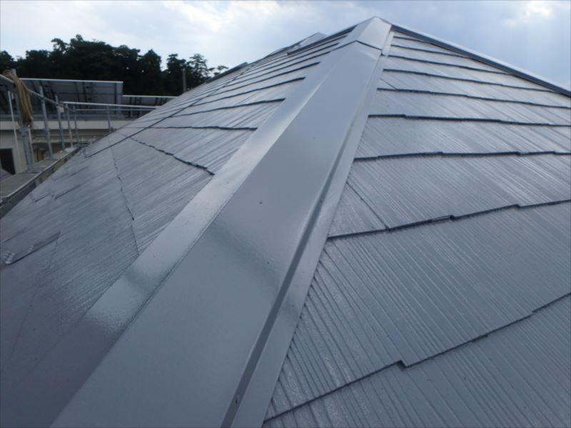 屋根は遮熱塗料で塗装されました。 棟も交換されています。