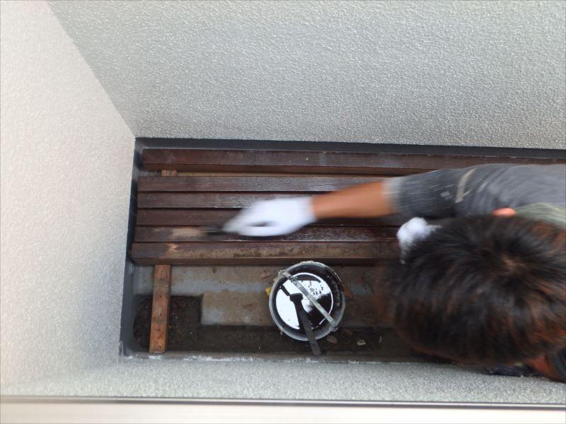 木部塗装 バルコニー床 プライマー塗布