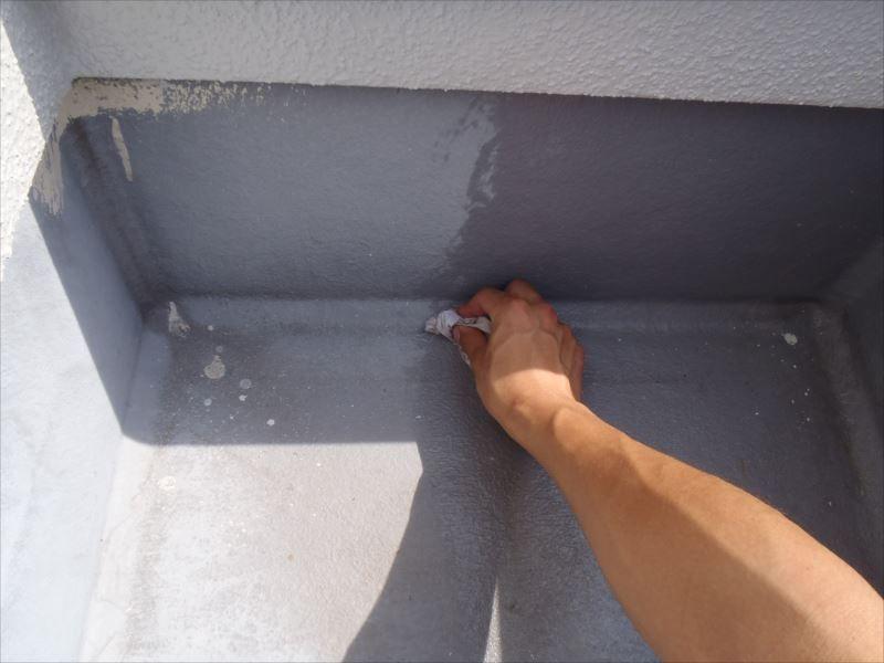バルコニー防水塗装 掃除