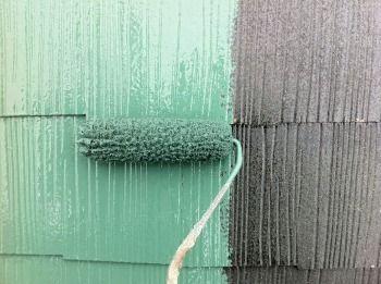 黒い屋根をグリーン系に塗る