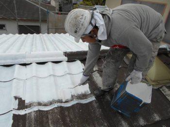 セキスイU瓦屋根の下塗り
