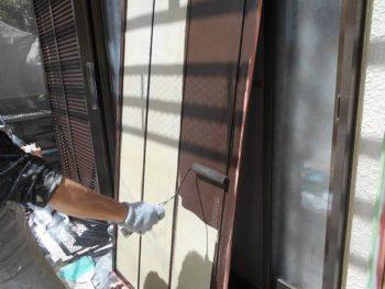 雨戸のローラー塗装