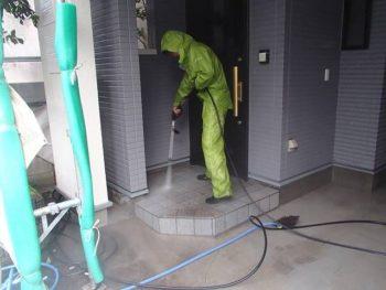 玄関タイル床洗浄