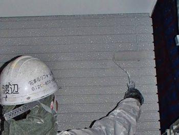 「塗り残しが出ないように!」と頑張っています。