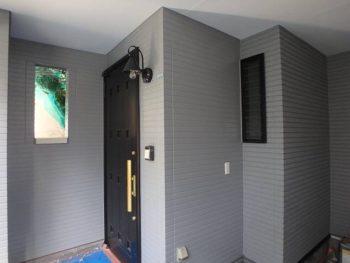 施工後 玄関外壁