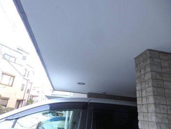 車庫の天井部分の素材はケイカル板です。 艶消し塗料(日本ペイント:ケンエースG2)を塗ります。
