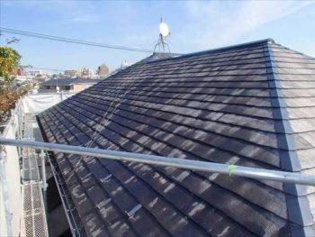 下塗り後【北面】 屋根でも北側はやはり乾きが遅いですね。