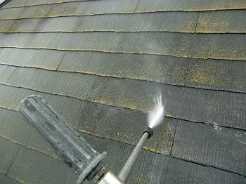 屋根の洗浄です。
