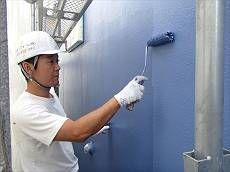 中塗り・上塗りはブルーで塗装。