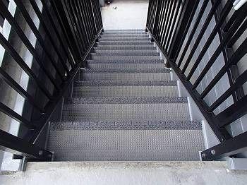 施工後 階段(タキステップ取付)