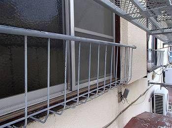 施工前 窓枠手すり