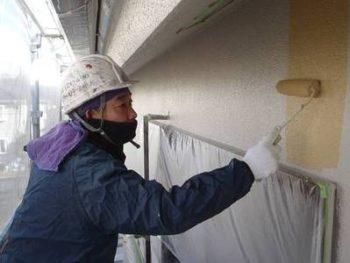 【外壁塗装】上塗り (遮熱塗料:水性クールテクトSi)
