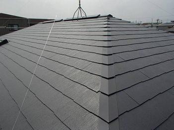 施工が完了しました。とてもきれいな屋根となりました。