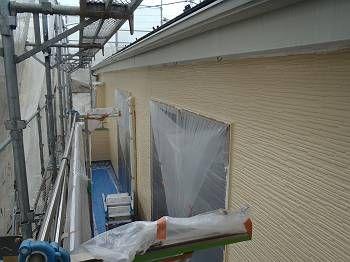 上塗りも塗って2階部分の外壁が完成です。