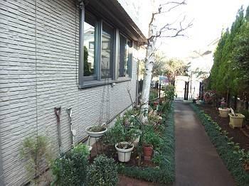 外壁です。 I様邸の敷地は広いため余裕を持った 足場が組めそうです。