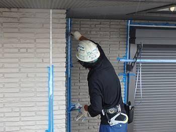 屋根にはタスペーサーを取付けています。