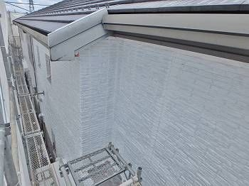下塗り後の外壁