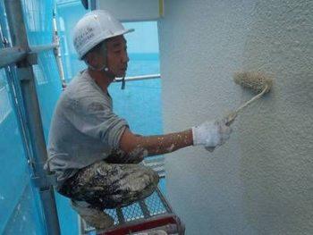 【外壁塗装】上塗り (SK化研:クリーンマイルドシリコン)