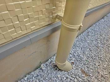 水切り、配管も綺麗に塗装されています。