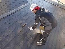 続いて屋根の中塗りの様子です。