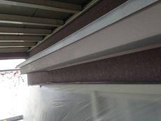 破風板の塗装も慎重に行います。