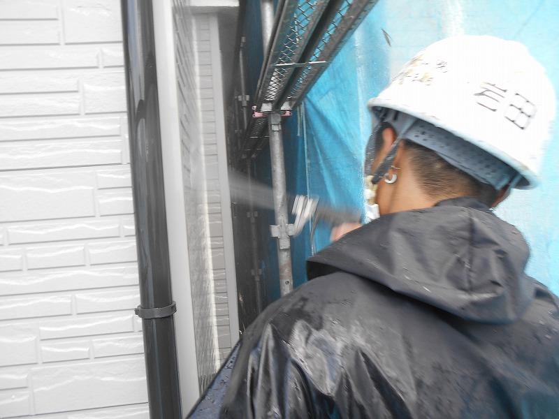 雨樋や鉄部も洗っています。