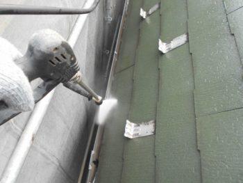 高圧洗浄 雨樋内部