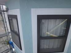【アフター】窓枠装飾