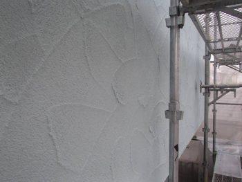 【外壁塗装】中塗り SK化研:アートフレッシュ
