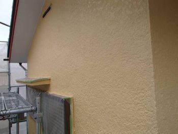 【外壁塗装】中塗り作業後