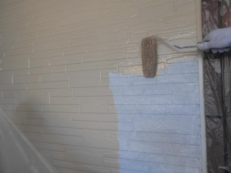 下塗りが済んだところを中塗りしていきます。