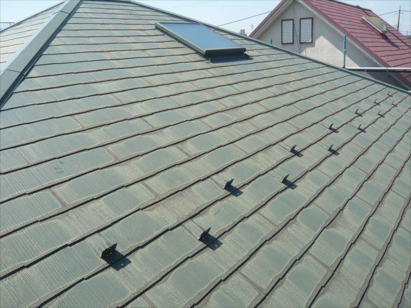 高圧洗浄の終わった屋根の様子。