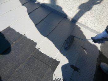 下地材が乾くのが早かったので、今回は中塗りも行いました。