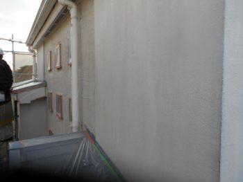 外壁の下塗りが終わりました。