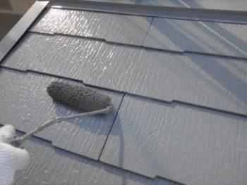 上塗りをすることで、より表面を綺麗にしながら塗料をしっかり付けることができます。