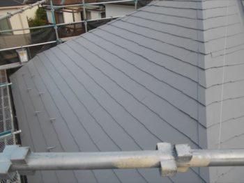 上塗りが終わり、屋根の塗装はこれで完了です。