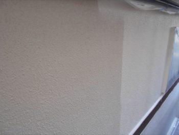 2回塗り重ねることで、耐久性や仕上がりが格段に良くなります。