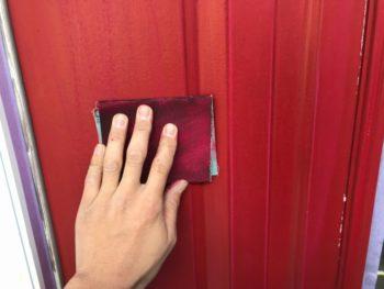 ドアの色は既製品ではなく、その場で希望を伺いながら色を作っています。