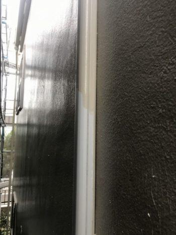 今回は外壁と同じ色での塗装でした。