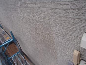 外壁の洗浄部分と洗っていない場所がハッキリわかります。